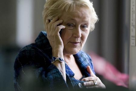 Pauline au cellulaire