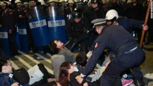photo topo 3 brutalité policière