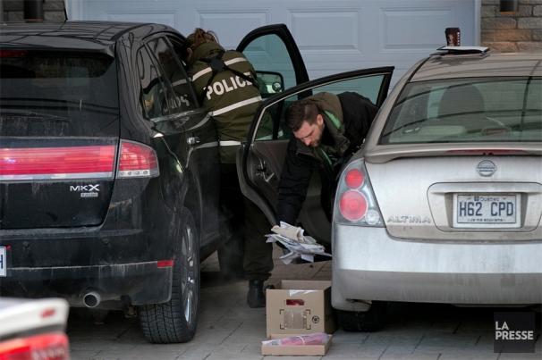 1165181-policiers-fouillent-voitures-sainte-marthe